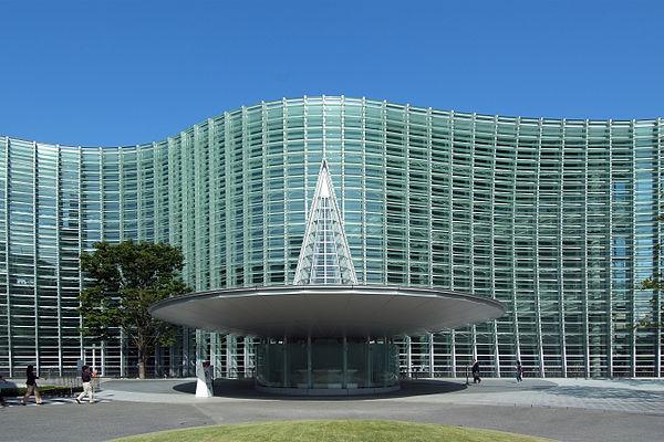 東京のおすすめ建築:国立新美術館-黒川紀章設計