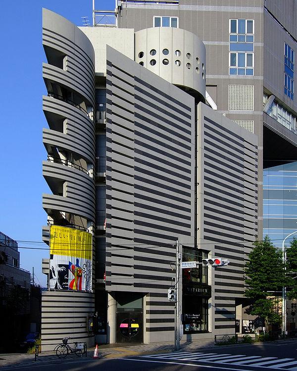 東京のおすすめ建築:ワタリウム美術館-マリオ・ボッタ設計